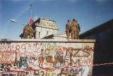 800px-Berlin-wall